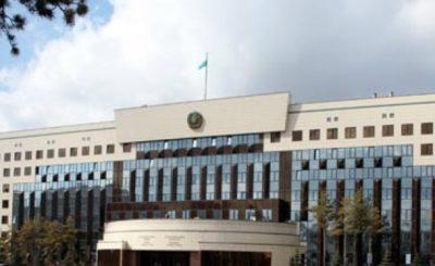 Астана мектептерінде ақша жинау бола қалса, әкім Әсет қарап қалмайды…