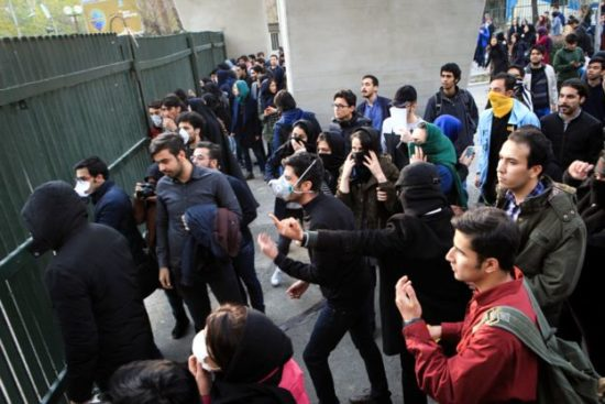 Ирандағы наразылық: «…диктатор өлсін!»