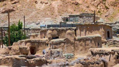 Ирандағы бойы бір метрден аспайтын ергежейлілер ауылы…