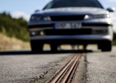 Швеция әлемде алғашқы болып электрлі жол салды