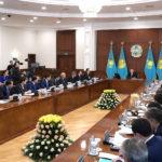 """Н. Назарбаев: """"Қай өңірде халықтың тұрмысы, жалақысы өссе, сол аймақ жақсы"""""""