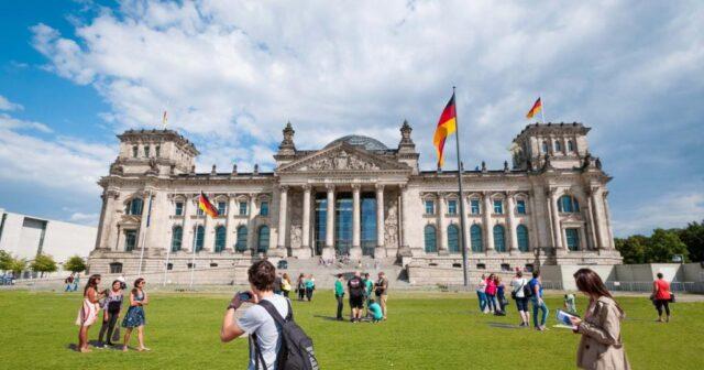 Германияға келетін туристер 60%-ға азайған