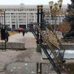 Қырғызстан: премьер-министр мен ЖК төрағасы қызметтен кетті