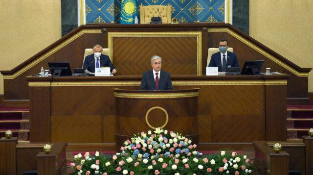 Қасым-Жомарт Тоқаев VII шақырылымдағы Парламенттің бірінші сессиясының ашылуына қатысты